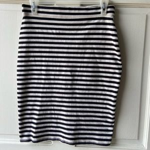 Old Navy Slim Fit Skirt